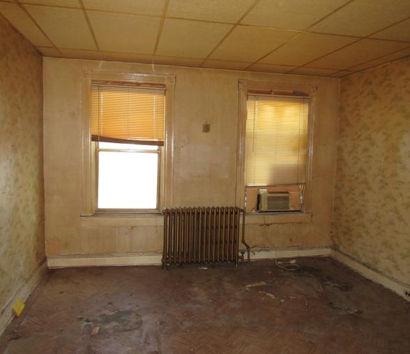 190 Master Bedroom.JPG