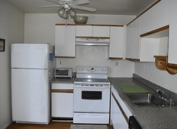 07 KitchenJPG.jpg