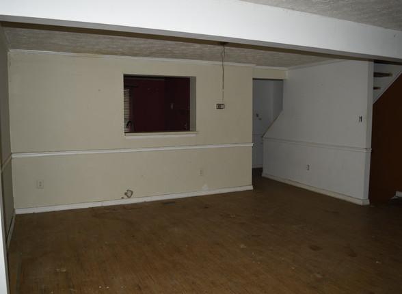 031 Living Room.JPG