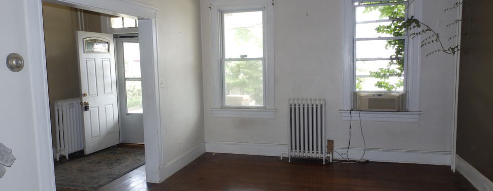 03 - Living Room 2.JPG