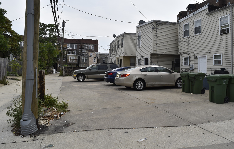 430 Neighbors_Alley.jpg