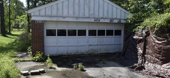 250 Garage.jpg
