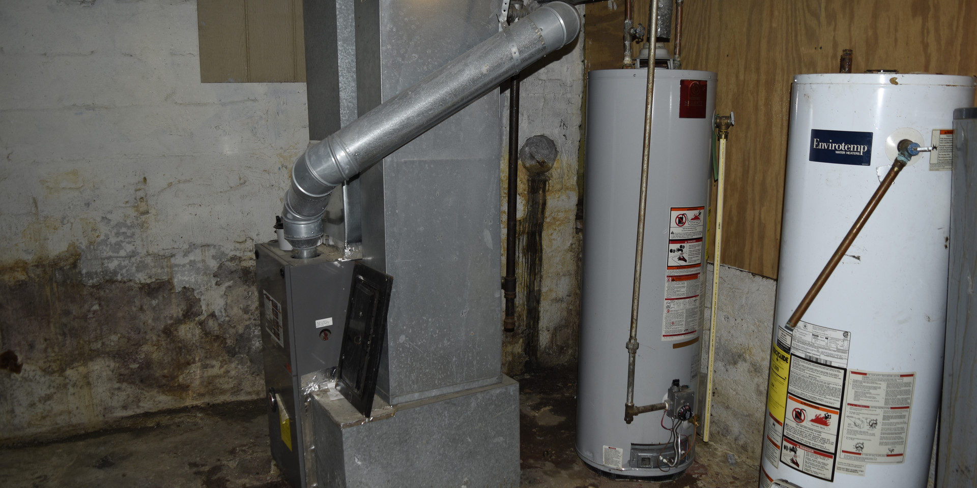 24 Hot Water Heater.JPG