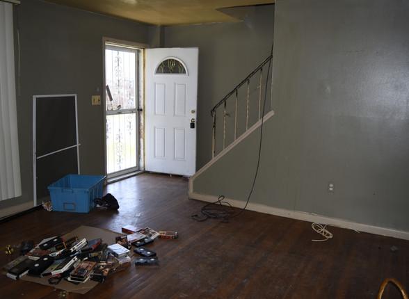 012 Living Room.JPG