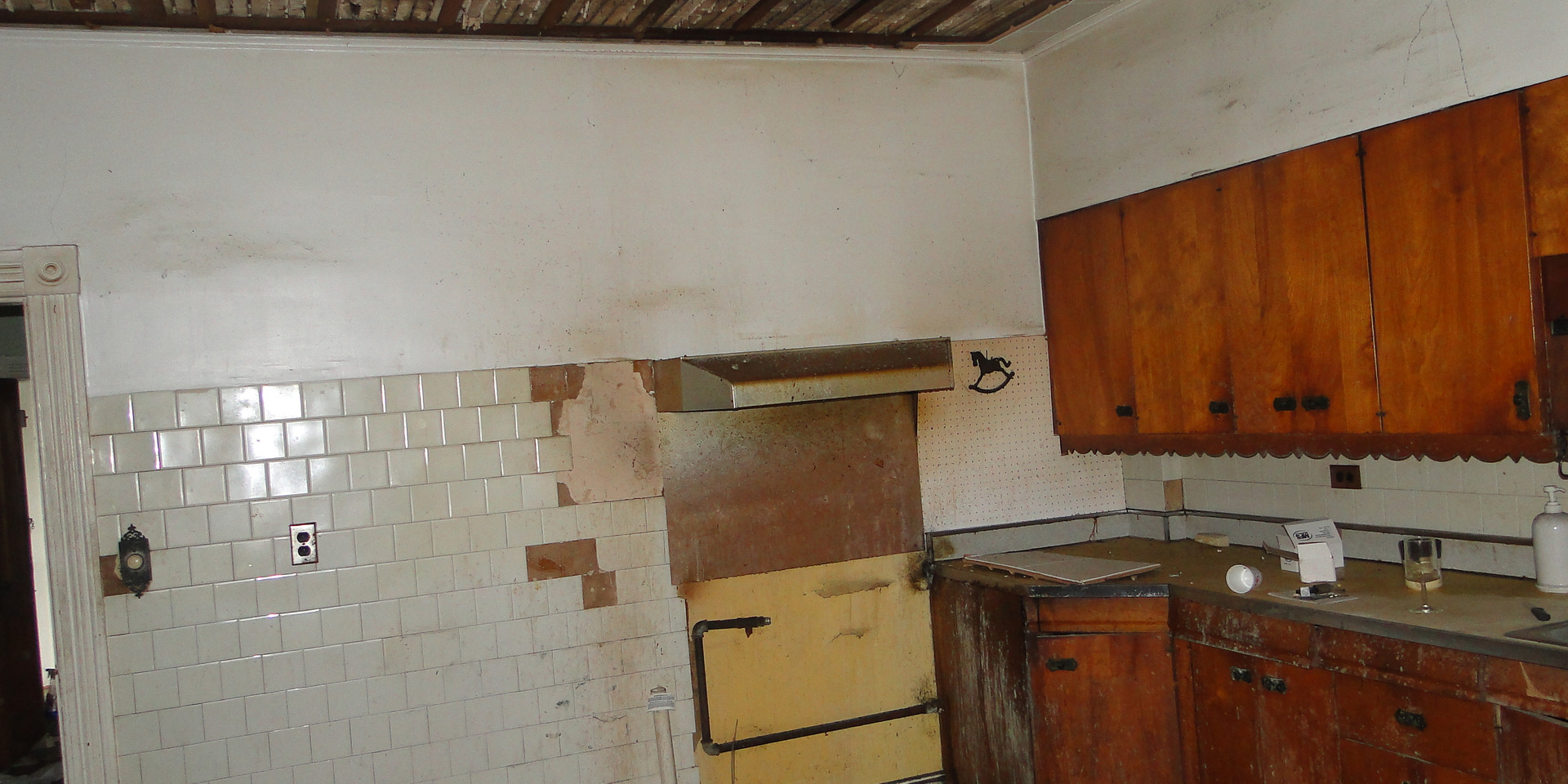 06 - Kitchen 3.JPG