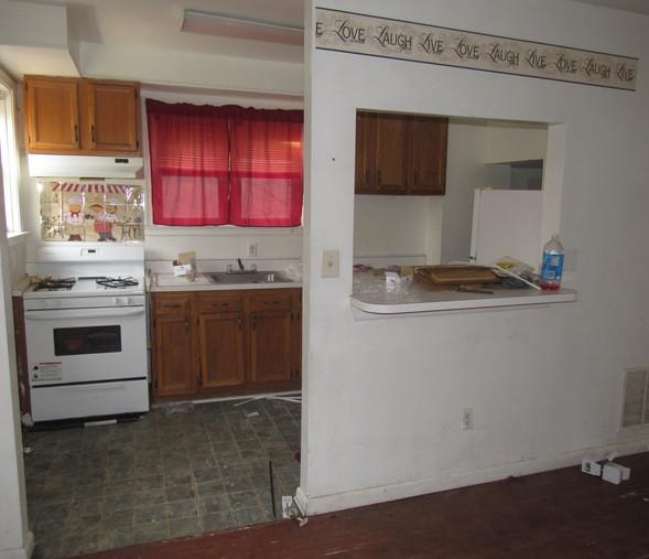 120 Kitchen.JPG