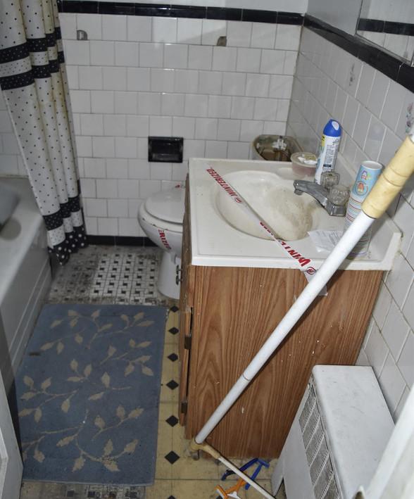 280 BathroomJPG.jpg