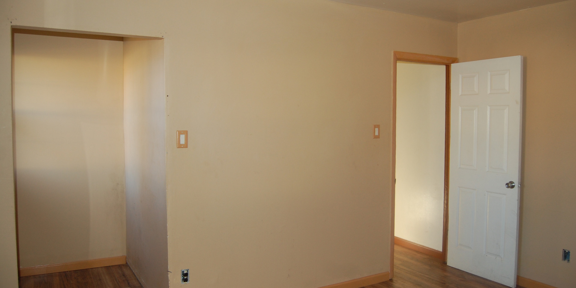 6.5 Main Level Bedroom.jpg