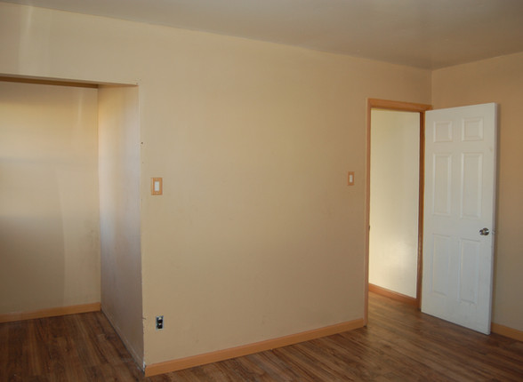 6.5 Main Level Bedroom.jpg
