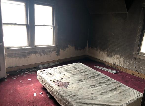 12 - Front Bedroom.JPG