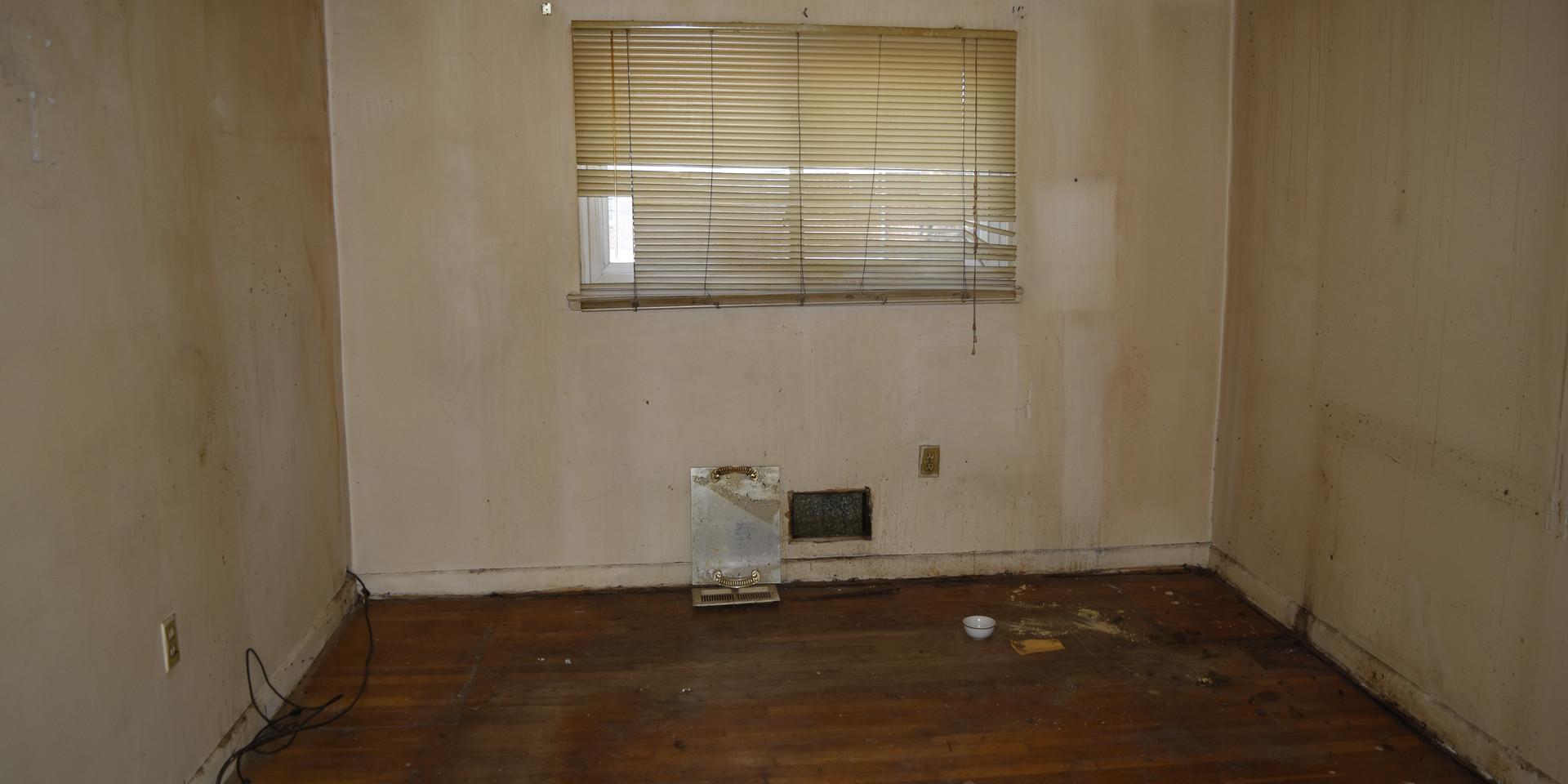 024 3rd Bedroom.JPG