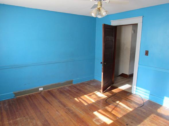 15 Bedroom 1EJPG.jpg