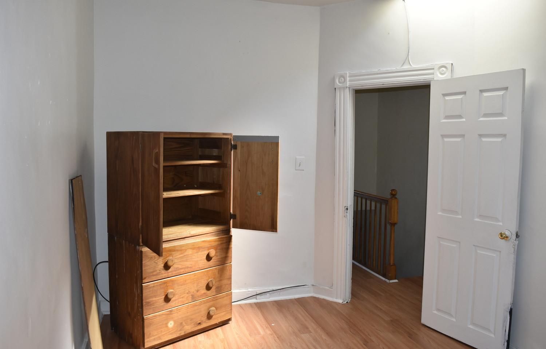 190 2nd Bedroom 2nd Apt.jpg