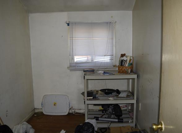 021 2nd Bedroom.JPG
