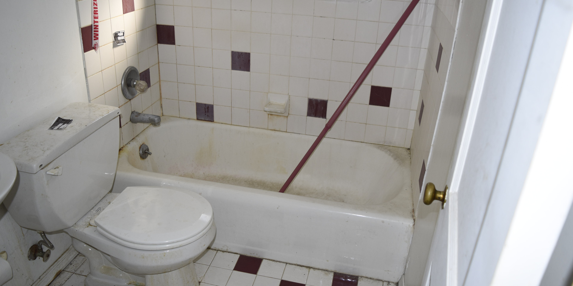7.9 Full Bathroom.JPG