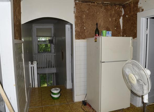 17.0 Apartment 2 Entry & Kitchen.jpg