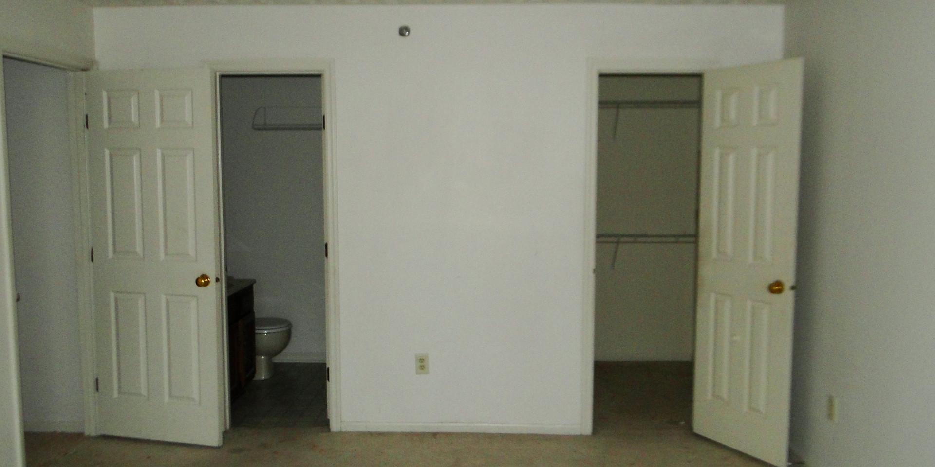 14 - Master Bedroom 2.JPG