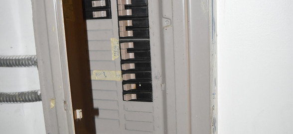 21 Electrical Panel.jpg