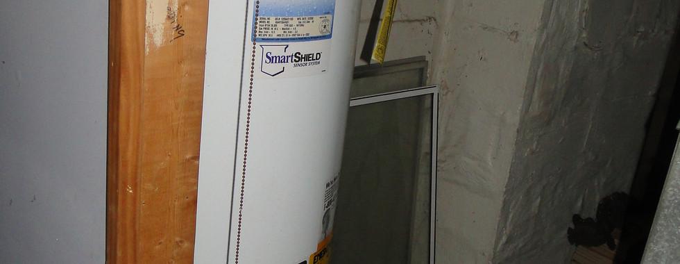 23 - Hot Water Heater.JPG