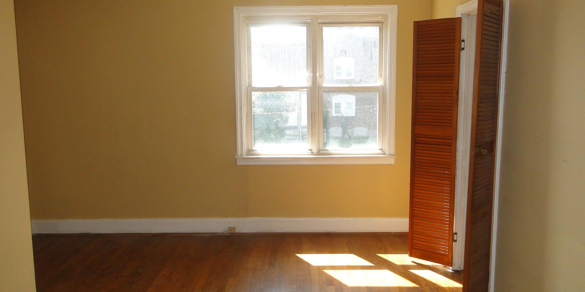10 - Second Level Living Room 1.JPG