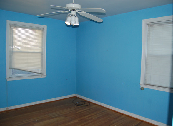7.3 Guest Bedroom.JPG