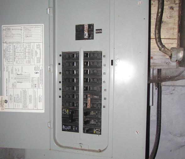 260 Electric PanelJPG.jpg