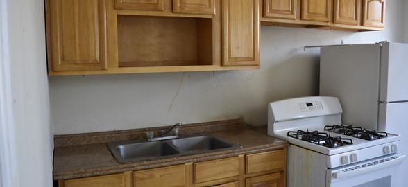 220 Kitchen 2nd Apt.jpg