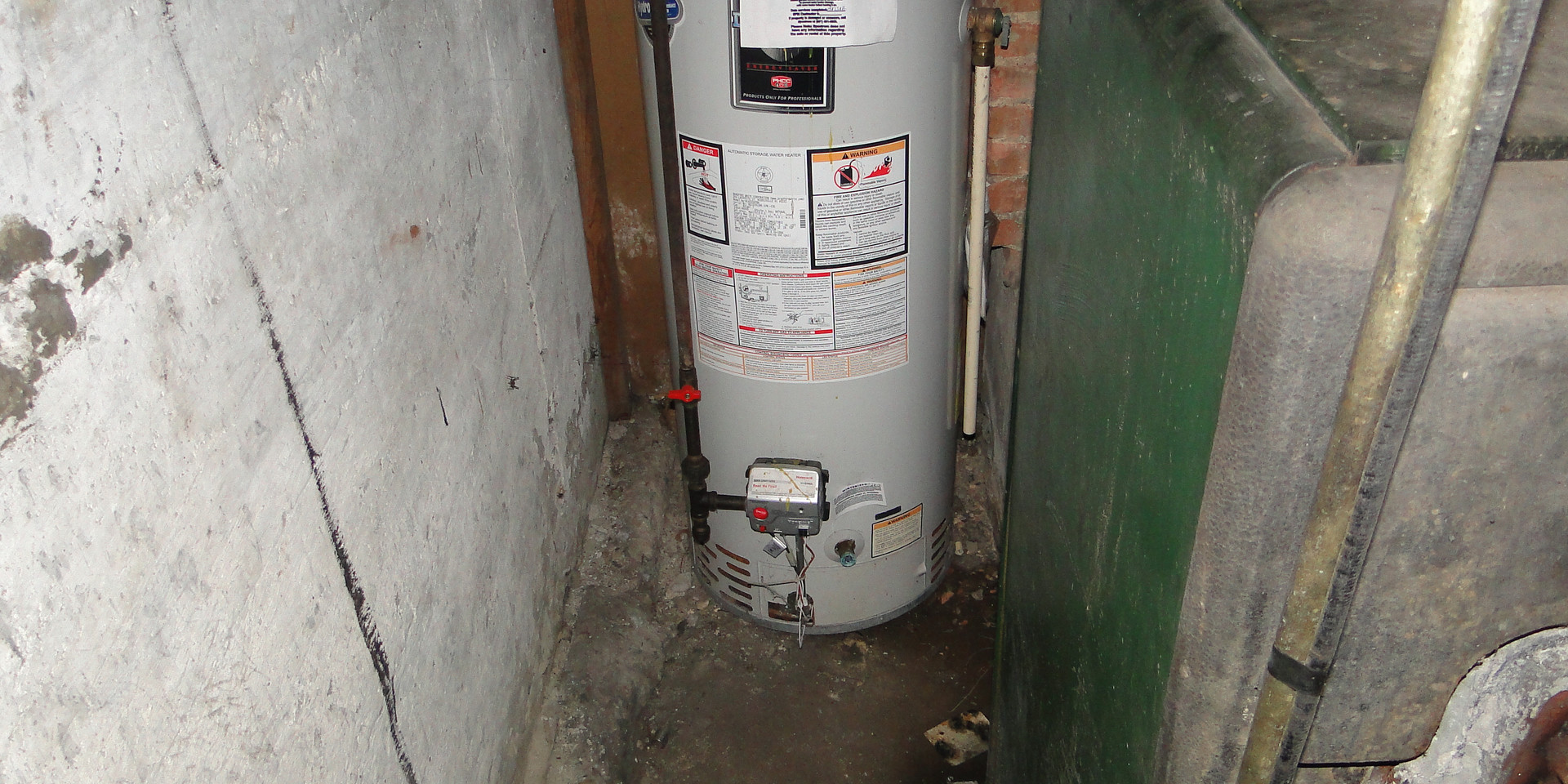 17 - Hot Water Heater.JPG