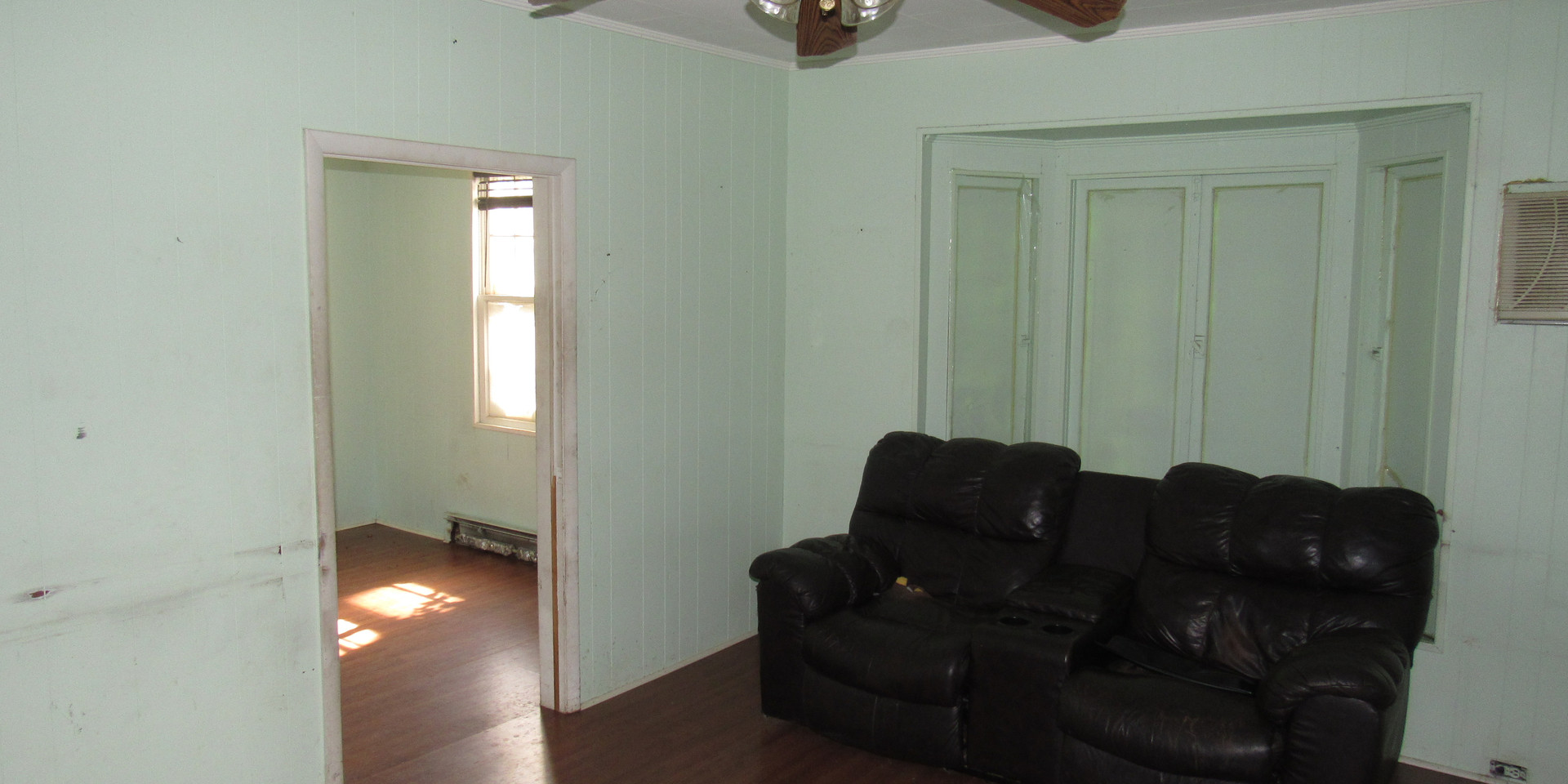 07 - Living Room Area C.JPG