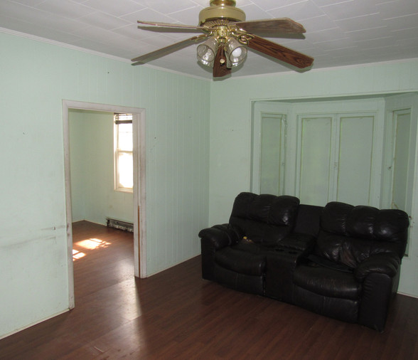 07 - Living Room Area C.JPG