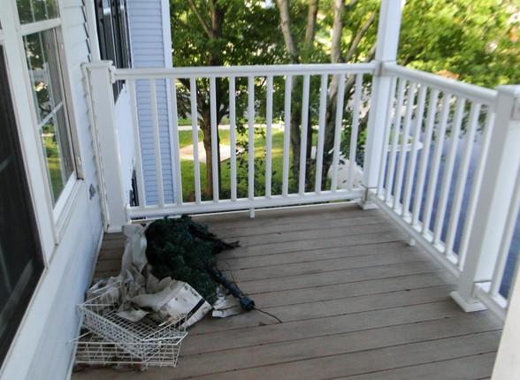 07 - Porch .JPG