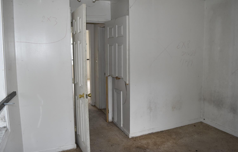 120 Bedroom (Apt 1).jpg