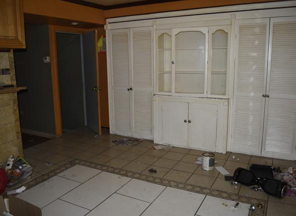 017 Kitchen.JPG