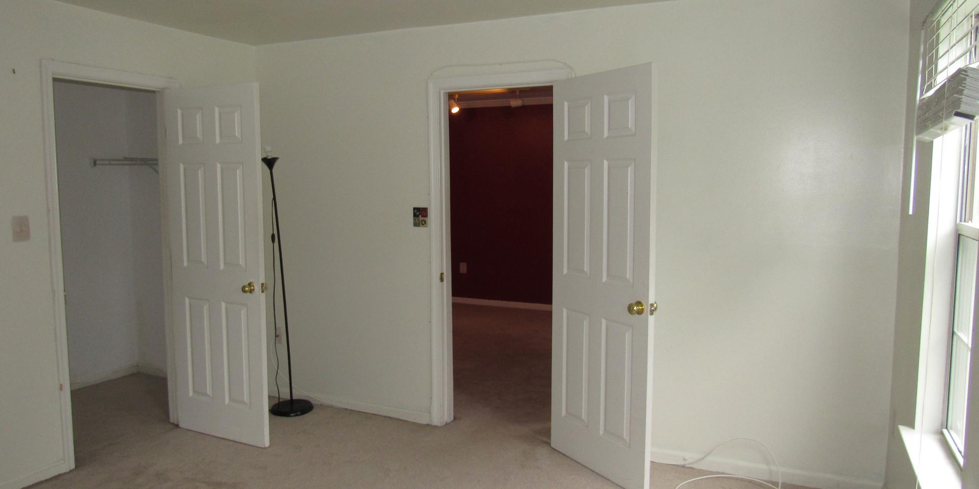 13 - Guest Bedroom 4.JPG