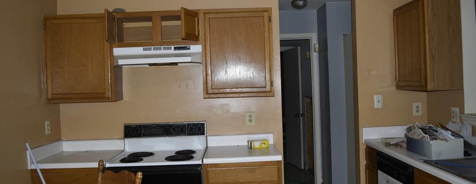 006 Kitchen.jpg