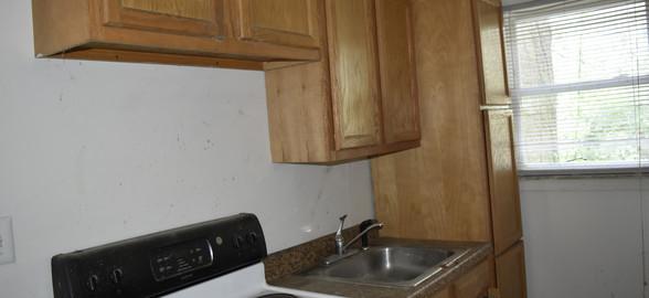 007 Kitchen (Apt 1).jpg