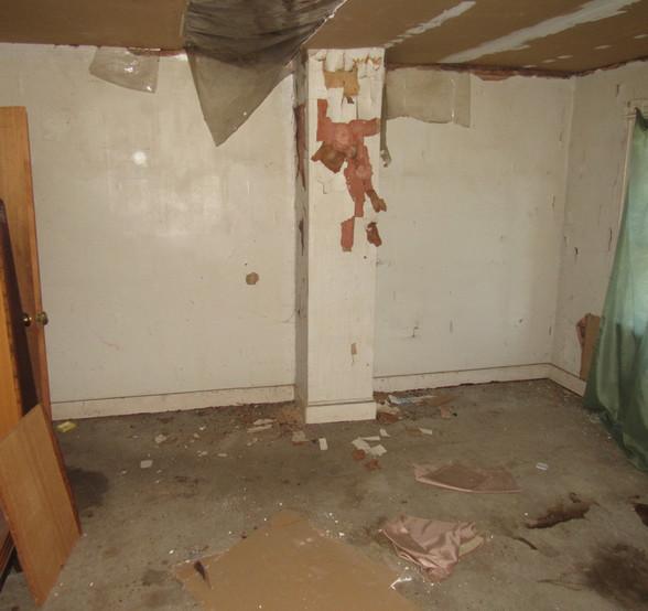 230 - 1527 Bedroom 1.jpg