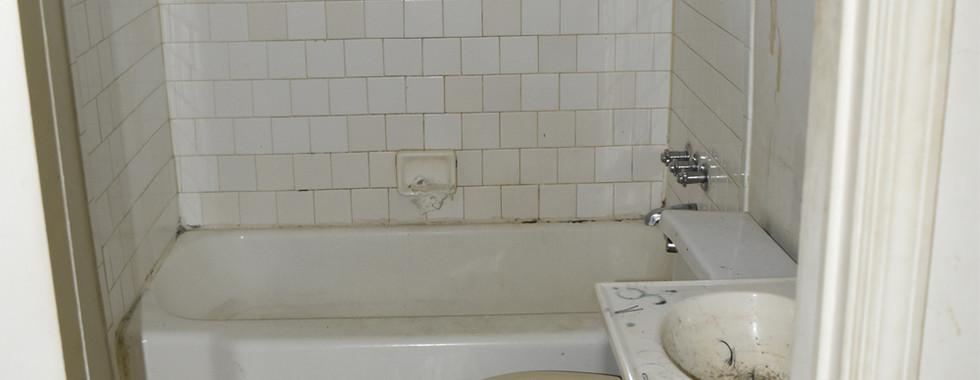 350 Bathroom.jpg