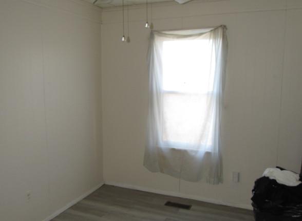 19 Bedroom 3B.JPG