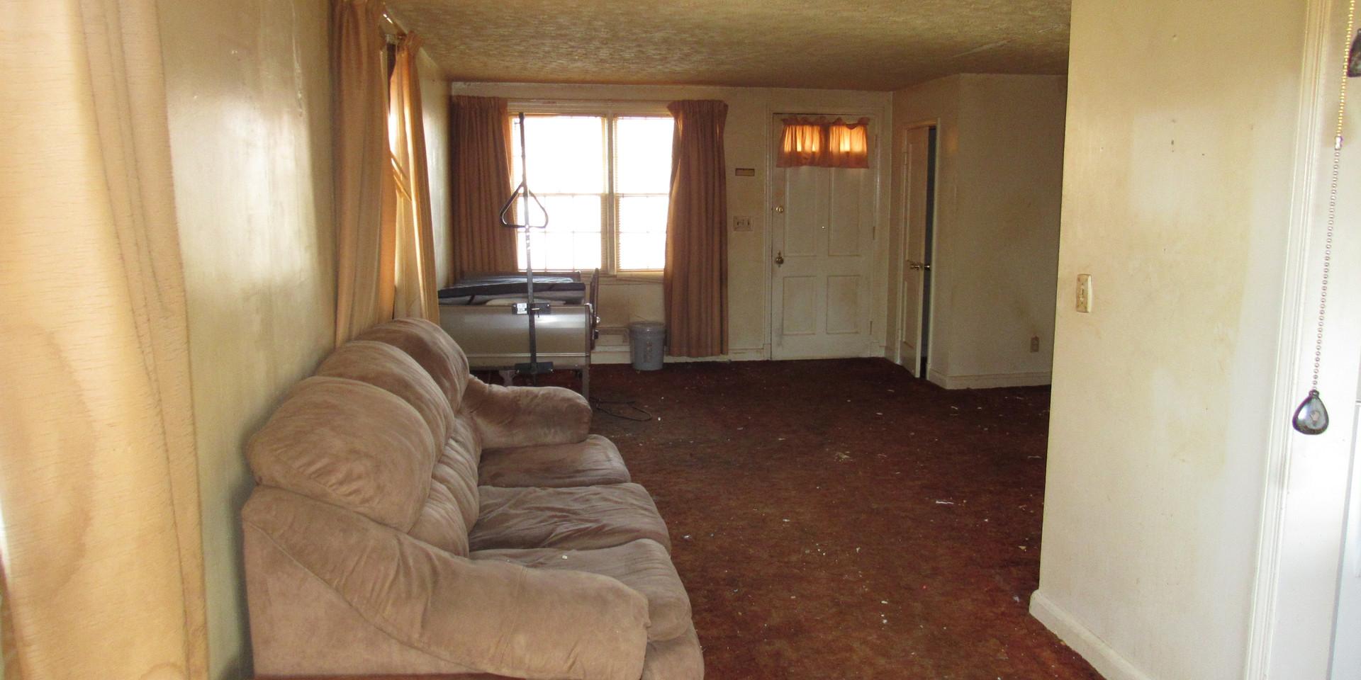 170 Living Room:Dining Room.JPG