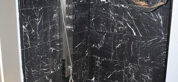 100 Bathroom Apt 1.jpg