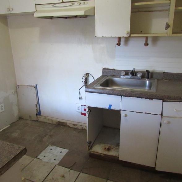 230 Bottom Unit KitchenJPG.jpg
