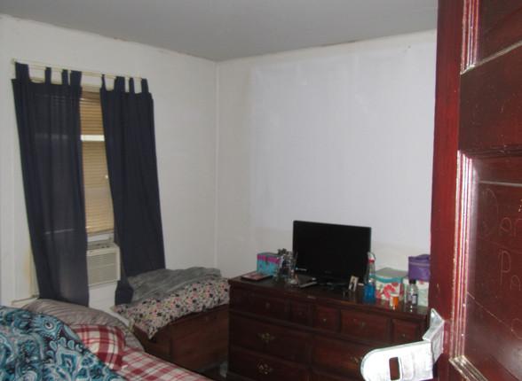 013 Bedroom 2A.JPG