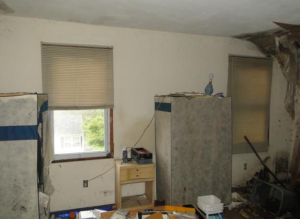 06 - First Bedroom 4.JPG