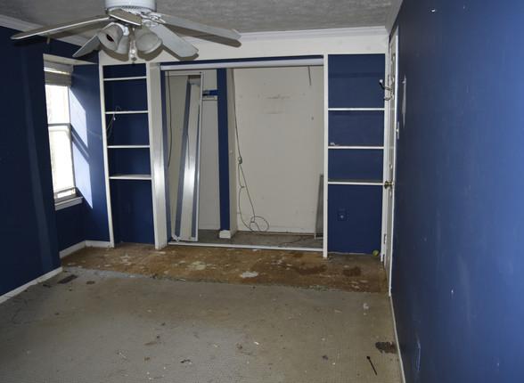 058 Master Bedroom.JPG