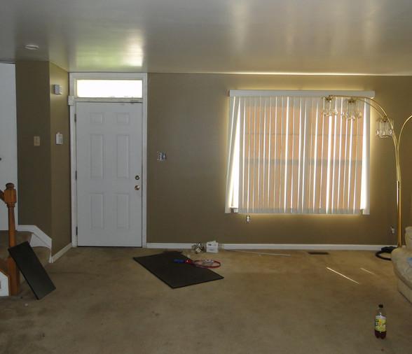 06 - Living Room 6.JPG