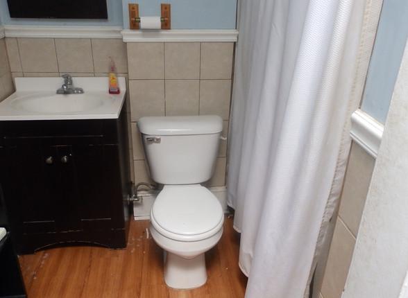 12 - Bathroom 3.JPG