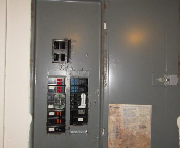 230 Electric PanelJPG.jpg