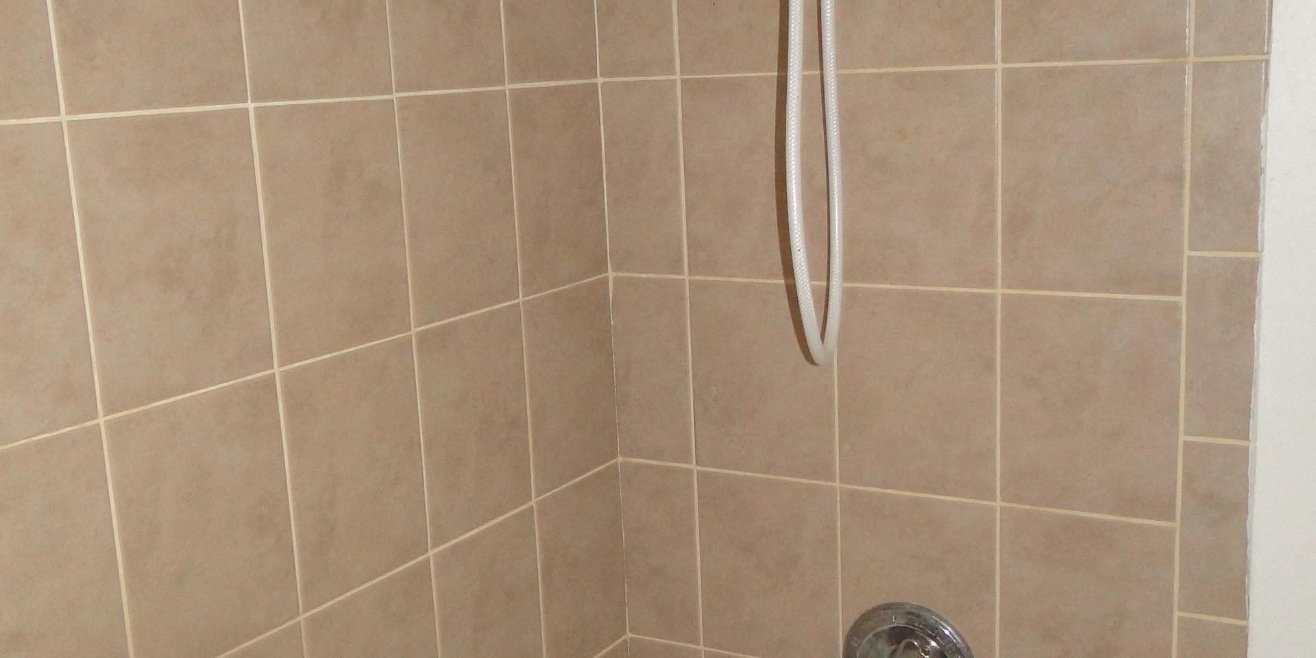 120 Bathroom.JPG