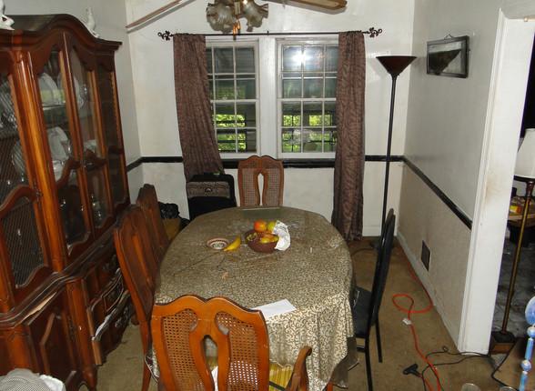 04 - Dining Room 1.JPG
